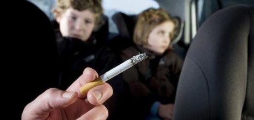 fuma in auto