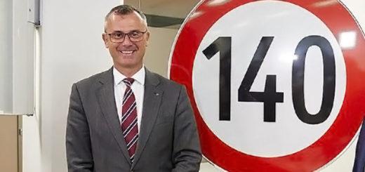 Norber Hofer limite velocita 140