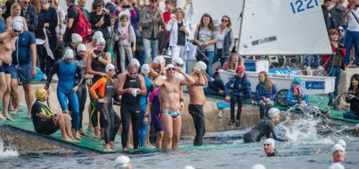 Barcolana nuota nuotatori