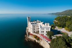 castello di miramare dall alto