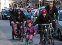 ciclisti citta