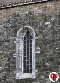 finestra chiesa di san silvestro - trieste