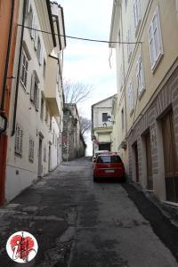 Trieste - via delle Monache - dal basso