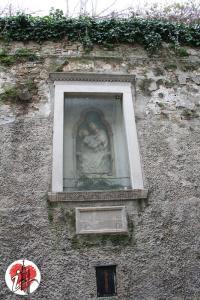 Trieste - via delle Monache - edicola di devozione