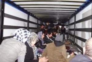 immigrati stipati nel Tir