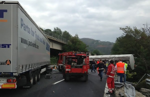 autostrada A4 camion di traverso