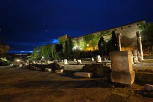 castello-di-san-giusto-notte