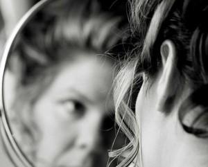 botox-donna-specchio-sissa
