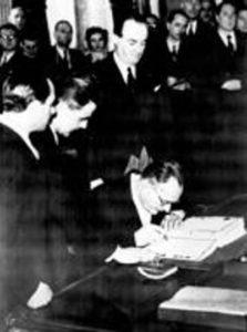 firma trattati di pace