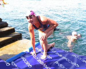 Barcolana ragazza nuotatrice