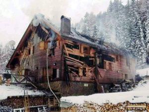 rifugio Ugovizza incendiato