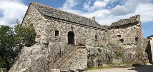Zolla Monrupino casa sulla roccia