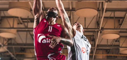 Chris Wright a canestro - credits photo ufficio stampa Alma Pallacanestro Trieste