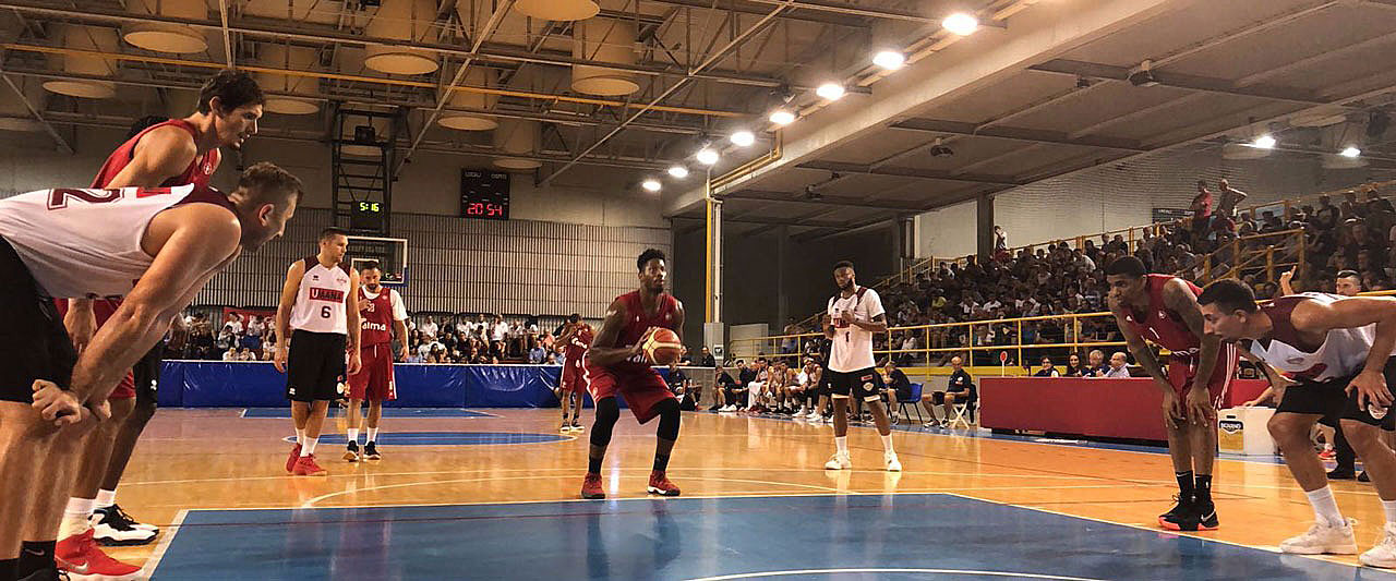 Mosley ai tiri liberi pallacanestro Alma Trieste