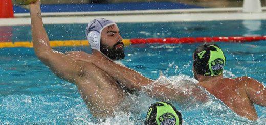 Niccolò Rocchi in azione Pallanuoto Trieste vs Busto Arsizio Sport Management
