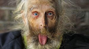 longevità uomo molto anziano