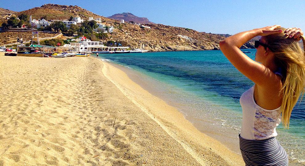 Grecia spiaggia ragazza