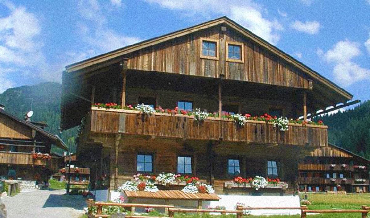 Tipica casa in legno sappadina