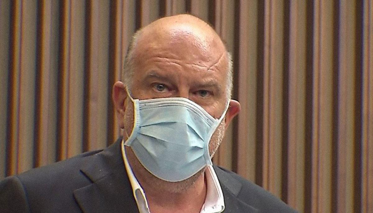 Roberto Cosolini con mascherina