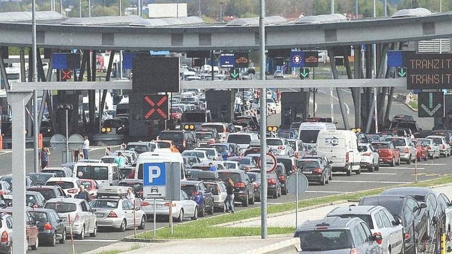 traffico fila confine Croazia