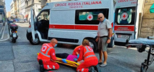 incidente auto scooter via Milano Trieste