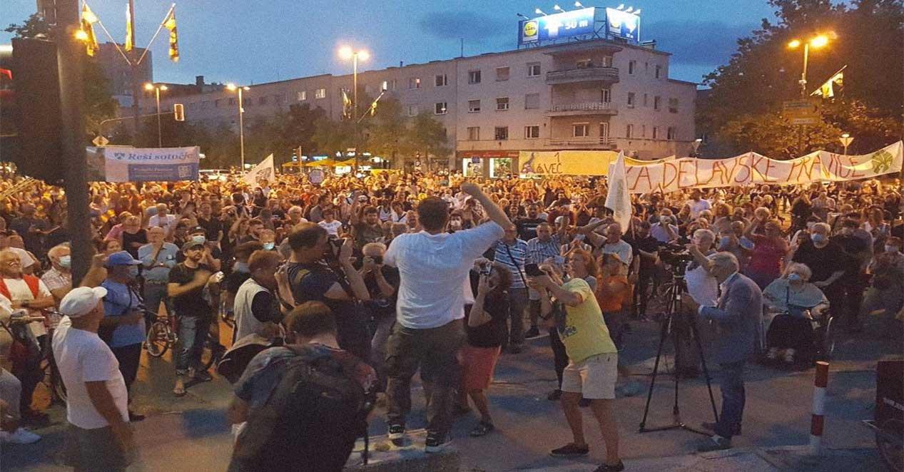 dimostrazione antigovernativa a Lubiana