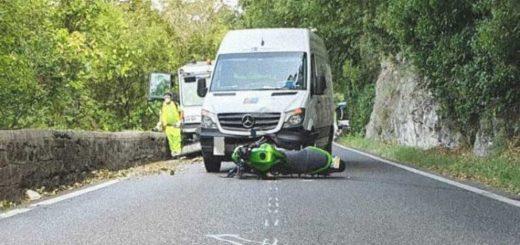 strada del Friuli Trieste incidente moto contro furgone