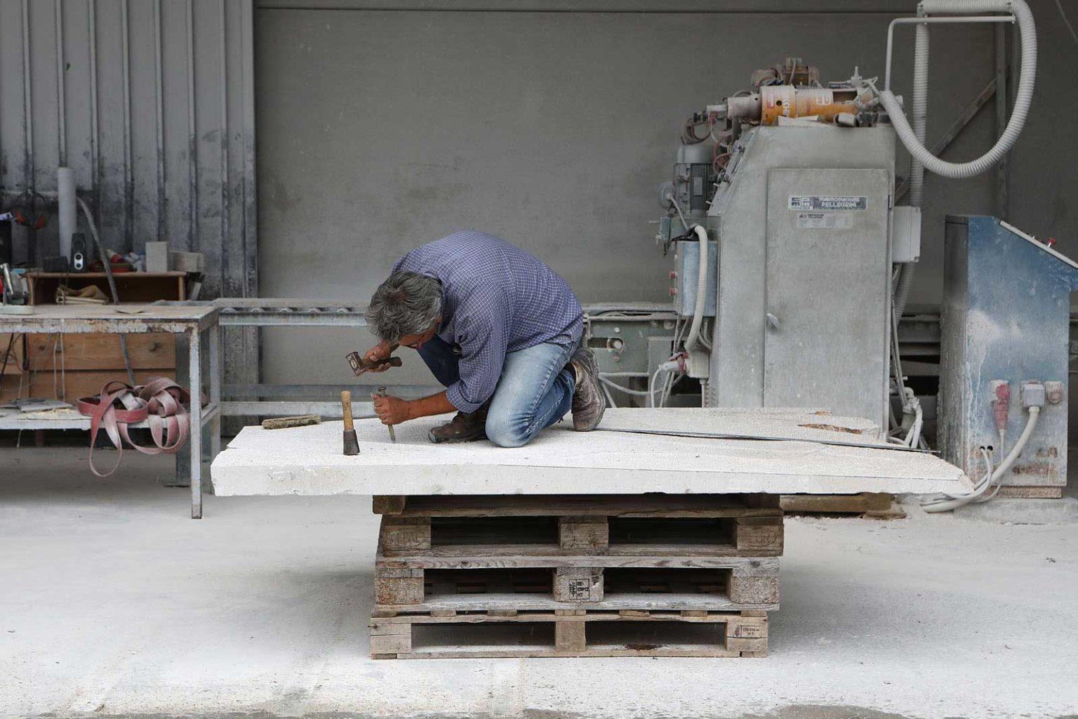 Alberto mostra Aurisina pietre