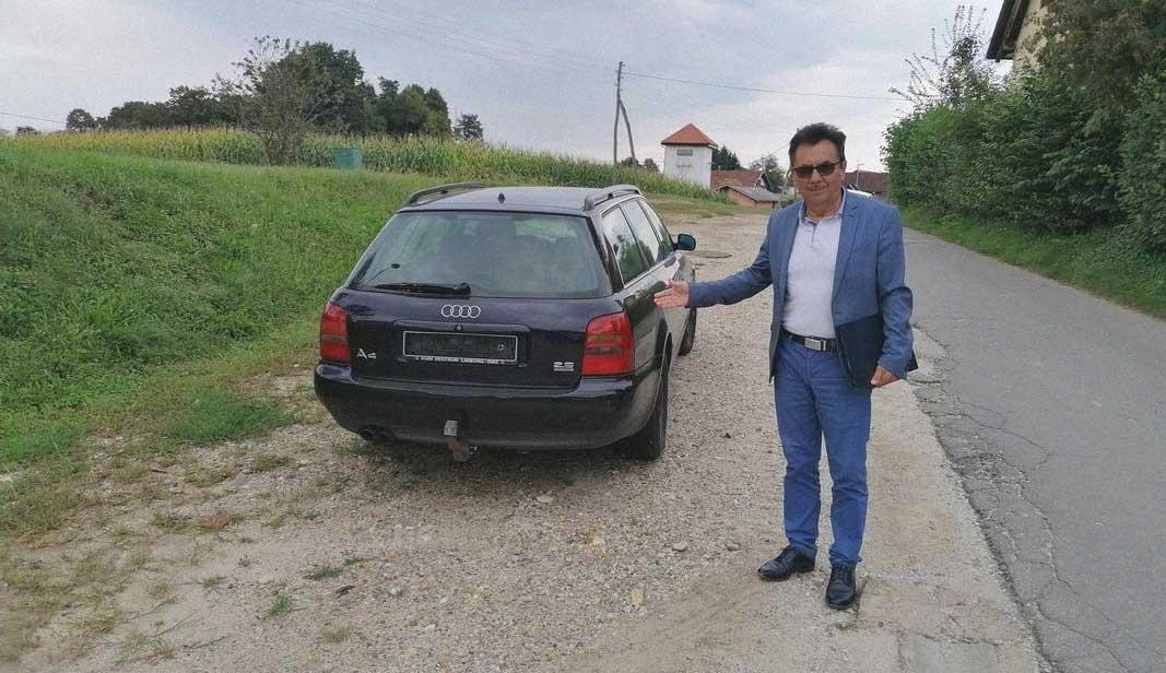 auto abbandonata dei trafficanti in Slovenia