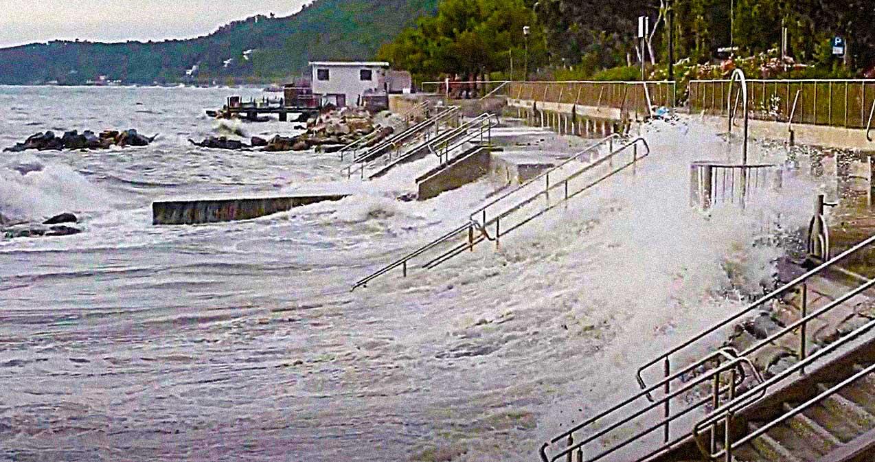 mareggiata Barcola Trieste