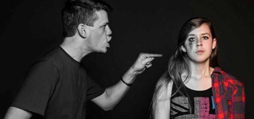 fidanzato violento picchia la fidanzata