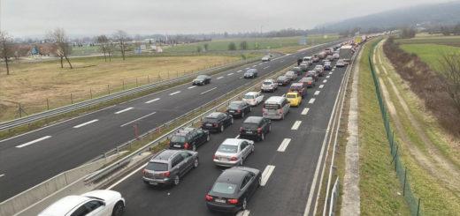 fila automobili confine Croazia