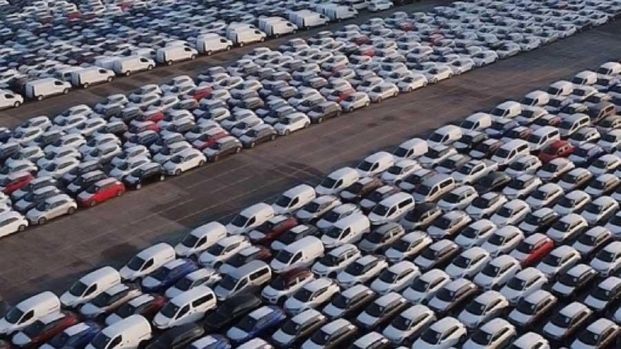 automobili invendute