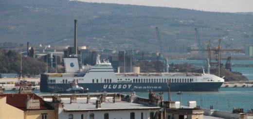 nave piattaforma logistica Trieste