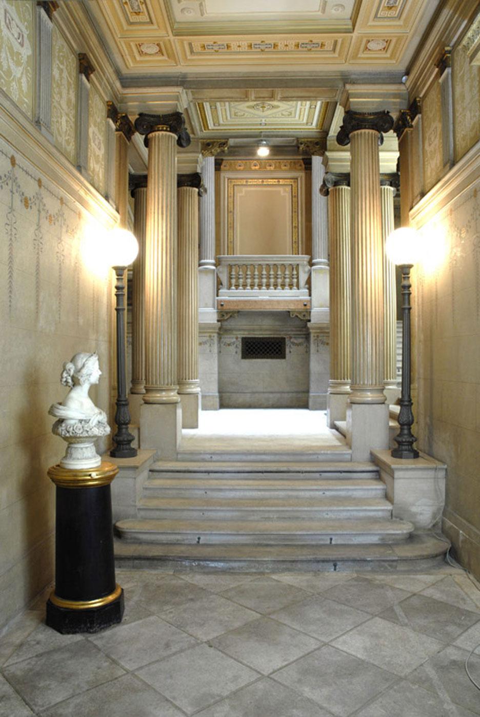 Palazzo Economo - atrio scalone