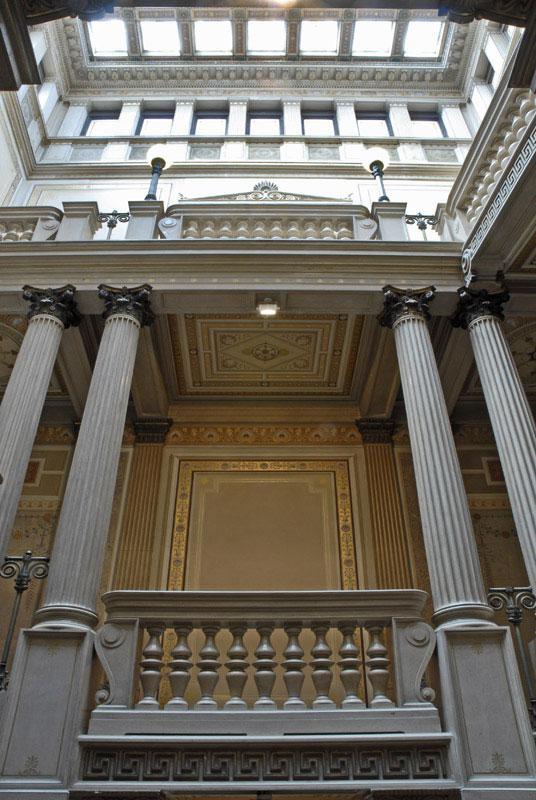 Palazzo Economo - scalone monumentale